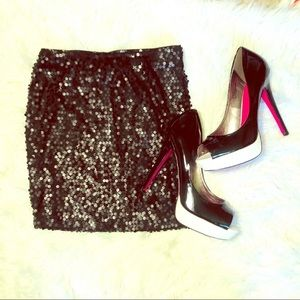 Shimmering black sequin Lily Rose mini skirt